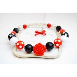 Krelles Sarkanas ar Melnām Punktotām Pērlītēm un Rozīti